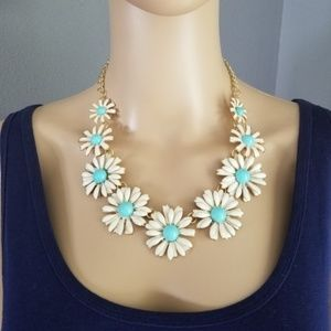 Jewelry - SKY BLUE Flower Boho Daisy Statement Necklace